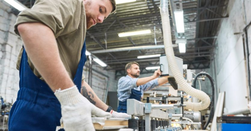 Small Business Optimism Slips In September As Labor Shortages Inflation Impact Business Operations